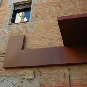 fachada patio interior acero corten